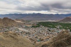 Ansichten von Leh-Stadt von der Spitze Stockbilder