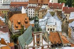 Ansichten von Straßen und von Quadraten in der historischen Mitte von Riga in L Lizenzfreie Stockfotos