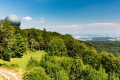 Ansichten zu vom Berg Lagern nach Zürich stockfotos