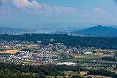 Ansichten zu vom Berg Lagern nach Zürich Stockfotografie