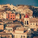 Ansichthäuser in der Korfu-Stadtnahaufnahme Stockfoto