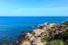 Ansichtpunkt in dem Meer in Thailand lizenzfreies stockfoto