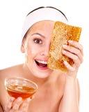 ansikts- hemlagad honung maskerar naturligt organiskt Royaltyfri Fotografi