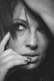 Ansiktsbehandling som skjutas av kvinna Arkivfoto