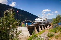 Anslöt den järnväg färjan för MF Storegut på den Mael Rjukan-Notodden UNESCO royaltyfria foton