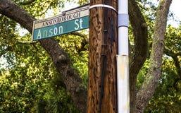Anson Street unterzeichnen herein im Stadtzentrum gelegenes Charleston Sc Lizenzfreies Stockfoto
