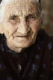 Anstarren der älteren Frau Stockfotografie