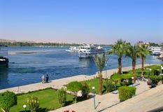 ANSUAN,埃及- 2008年11月16日:尼罗的堤防。 免版税库存图片