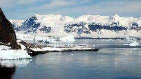 A Antártica em um dia ensolarado video estoque