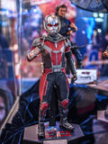 Ant Man in Kapitein America 3 Stock Foto's