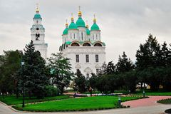 1507 1533 antagande byggde domkyrkaår Kreml i astrakan, Ryssland Färgfoto Arkivbild