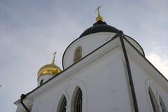 1507 1533 antagande byggde domkyrkaår Kreml i Dmitrov, forntida stad i Moskvaregion Arkivfoton