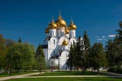 Antagandedomkyrka av den ryska ortodoxa kyrkan, Yaroslavl Fotografering för Bildbyråer