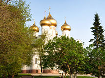 Antagandedomkyrka i Yaroslavl Royaltyfri Foto