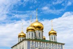 Antagandedomkyrka och klockatornet av Tula Kremlin royaltyfri bild
