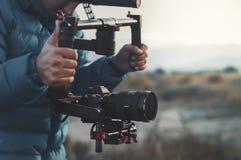 ANTALYA, DIE TÜRKEI - 8. DEZEMBER 2018: SCHMIERFILMBILDUNG MIT DJI RONIN M UND SONY A7R III stockfotos
