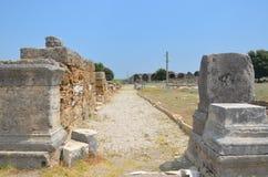 Antalya Perge fördärvar den forntida staden, marknadsplatsen, det forntida av de Roman Empire gatorna Arkivbild