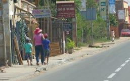 Antananarivo, Μαδαγασκάρη 24 ΝΟΕΜΒΡΊΟΥ 2016: Δραστηριότητα ανθρώπων μέσα Στοκ Φωτογραφία