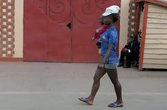 Antananarivo, Μαδαγασκάρη 24 ΝΟΕΜΒΡΊΟΥ 2016: Δραστηριότητα ανθρώπων μέσα Στοκ εικόνα με δικαίωμα ελεύθερης χρήσης