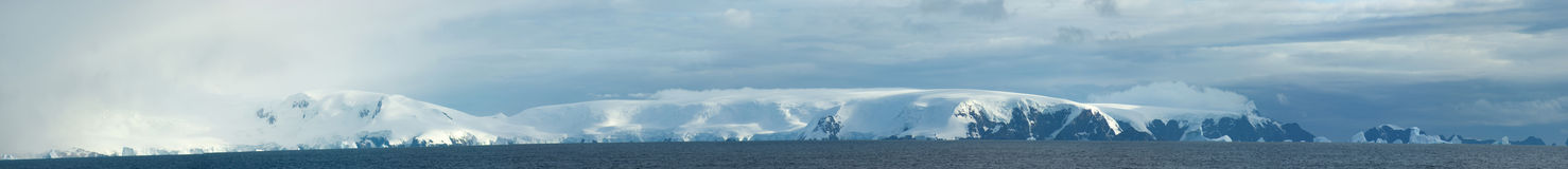 Antarctic ice island Royalty Free Stock Photos