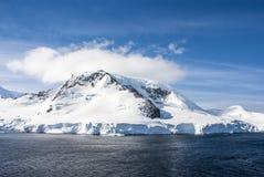 Antarctica - bajka krajobraz w słonecznym dniu Zdjęcie Stock