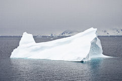 Antarctica - płytkowa góra lodowa Obrazy Stock