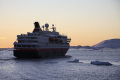 Antarctica - Tourist boat - Midnight Sun Royalty Free Stock Images