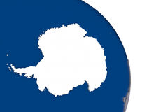 Antarctica z flaga na kuli ziemskiej royalty ilustracja