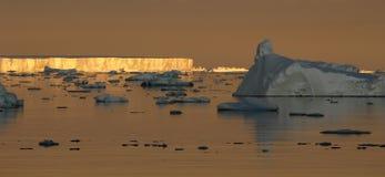 antarcticmoodsolnedgång Arkivfoton