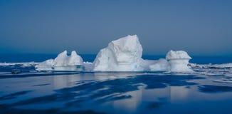 Antarctische ijsberg stock afbeelding