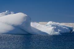 Antarctische ijsberg stock afbeeldingen
