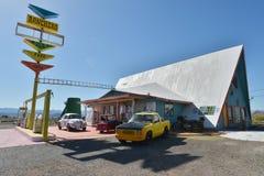 Antares点,亚利桑那,美国, 2017年4月20日:大牧场主汽车旅馆,路线66的标志 免版税库存图片