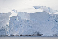 Antarktis - kustlinje - Closeup Royaltyfria Foton