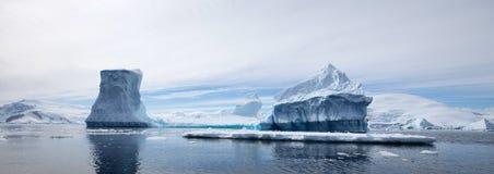 Antarktiskt landskap Arkivbilder
