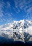 Antarktyczny półwysep i śnieżne góry Obrazy Stock