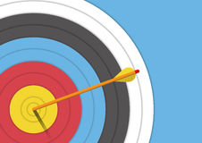 Antecedentes: blanco del tiro al arco con una flecha Imágenes de archivo libres de regalías