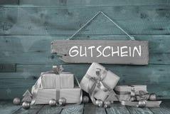 Antecedentes: Vale de la Navidad con los presentes en la plata y la menta g Fotos de archivo libres de regalías
