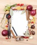 Anteckningsbok för recept och kryddor Arkivfoton