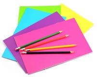 Anteckningsbok och blyertspenna Arkivbild