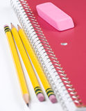 anteckningsboken pencils tre Arkivbild