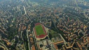 Antena abaixo da ideia da arquitetura da cidade de Perugia, Itália video estoque