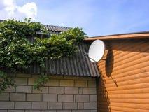 Antena basada en los satélites Fotografía de archivo libre de regalías
