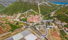 Antena con las paredes de la ciudad, Croacia de Ston Imagen de archivo libre de regalías
