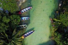 Antena con los barcos de pesca en el río Blanco, Jamaica Imagen de archivo