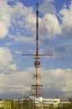 Antena da tevê na cidade de Grodno foto de stock