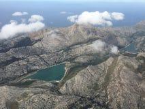 Antena de dois lagos em Mallorca foto de stock