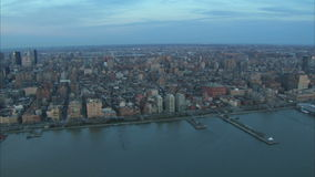 Antena de East River do nyc da ruptura do dia vídeos de arquivo