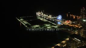 antena de 4K UltraHD Timelapse del embarcadero de la marina de guerra, Chicago en la noche metrajes