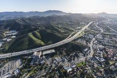 Antena de la autopista sin peaje de Thousand Oaks California Ventura 101 Imágenes de archivo libres de regalías