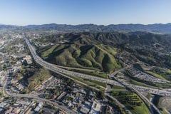 Antena de la autopista sin peaje de Thousand Oaks y de Ventura 101 en Califor meridional Imagen de archivo